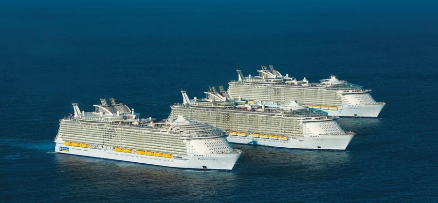 Manteniendo a los pasajeros y tripulación: los equipos de mantenimiento KONE, trabajan en los tres cruceros llamados Oasis Harmony of the Seas, Oasis of the Seas, Allure of the Seas.